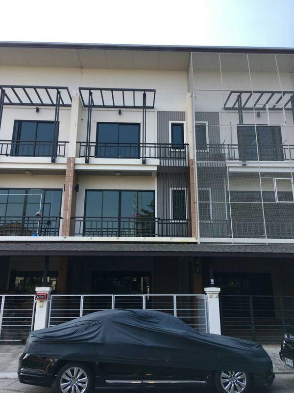 ขายตึก 3 ชั้น ทำเลดี ตึกสวย ในเมืองนครปฐม 25 ตรว. 3 ห้องนอน 3 ห้องน้ำ