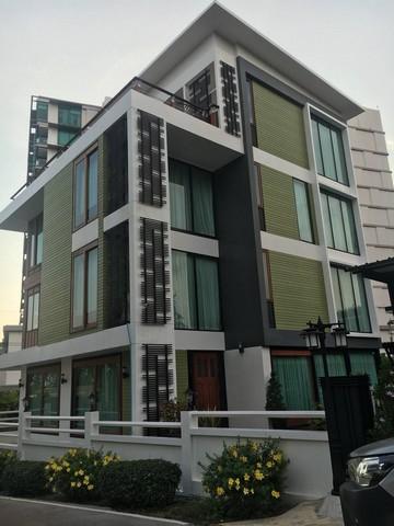 ขายด่วน บ้านพักตากอากาศ 4 ชั้น ริมทะเล หาดวังแก้ว บรรยกาศน่าอยู่  ราคาเพียง 50 ล้านบาท