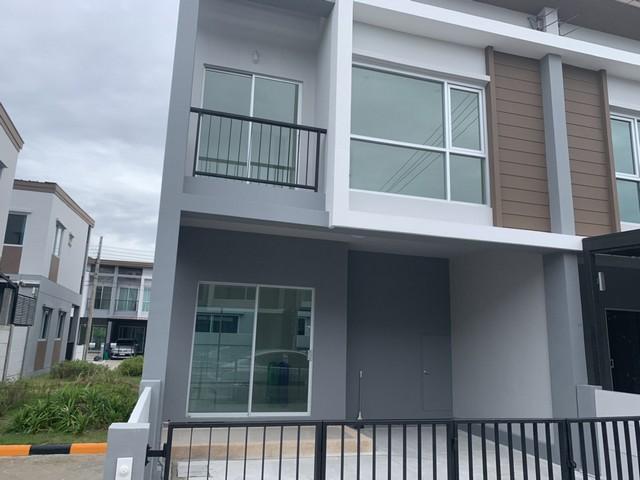 ให้เช่าทาวน์เฮ้าส์ 2 ชั้น หลังริม บ้านลุมพินี ทาวน์พาร์ค ท่าข้าม-พระราม 2  สภาพใหม่ มือ 1