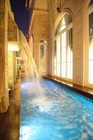 บ้านเดี่ยว สุขุมวิท สุขุมวิท  นานาใต้มีอ่างJacuzzi Rain shower ในตัวทุกห้อง