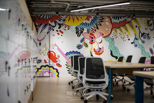"Co-working space ""Hot Desk"" Located in Sathorn CBD,  Spread over two stories this co-working"
