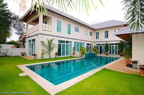 ขายบ้านเดี่ยวหรูพัทยา พร้อมสระว่ายน้ำขนาดใหญ่ พร้อมอยู่ พื้นที่ 440 ตารางเมตร ที่ดิน 159 ตารางวา