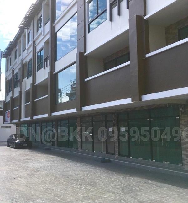 ให้เช่าด่วน อาคารพาณิชย์ ทำเลทองฮวงจุ้ยท้องมังกร ถนนเทอดไท ย่านตลาดพลู 48 ตร.วา พื้นที่ใช้สอย 265 ตรม.