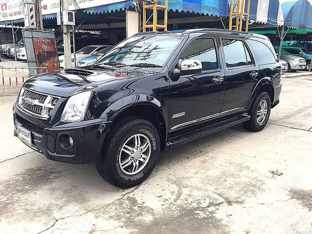ขายรถบ้านมือเดียวไม่มีชนสวยกริบ ฟรีดาวน์ ISUZU MU7 CHOIZ 3.0 4x4 TOP AUTO 2013 สีดำ