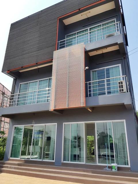 STH2 ขาย 14000000 บาท ขายโฮมออฟฟิส 3 ชั้น  2 หลัง ทำเลดีติดถนนชัยพฤกษ์  Home Office 3 story