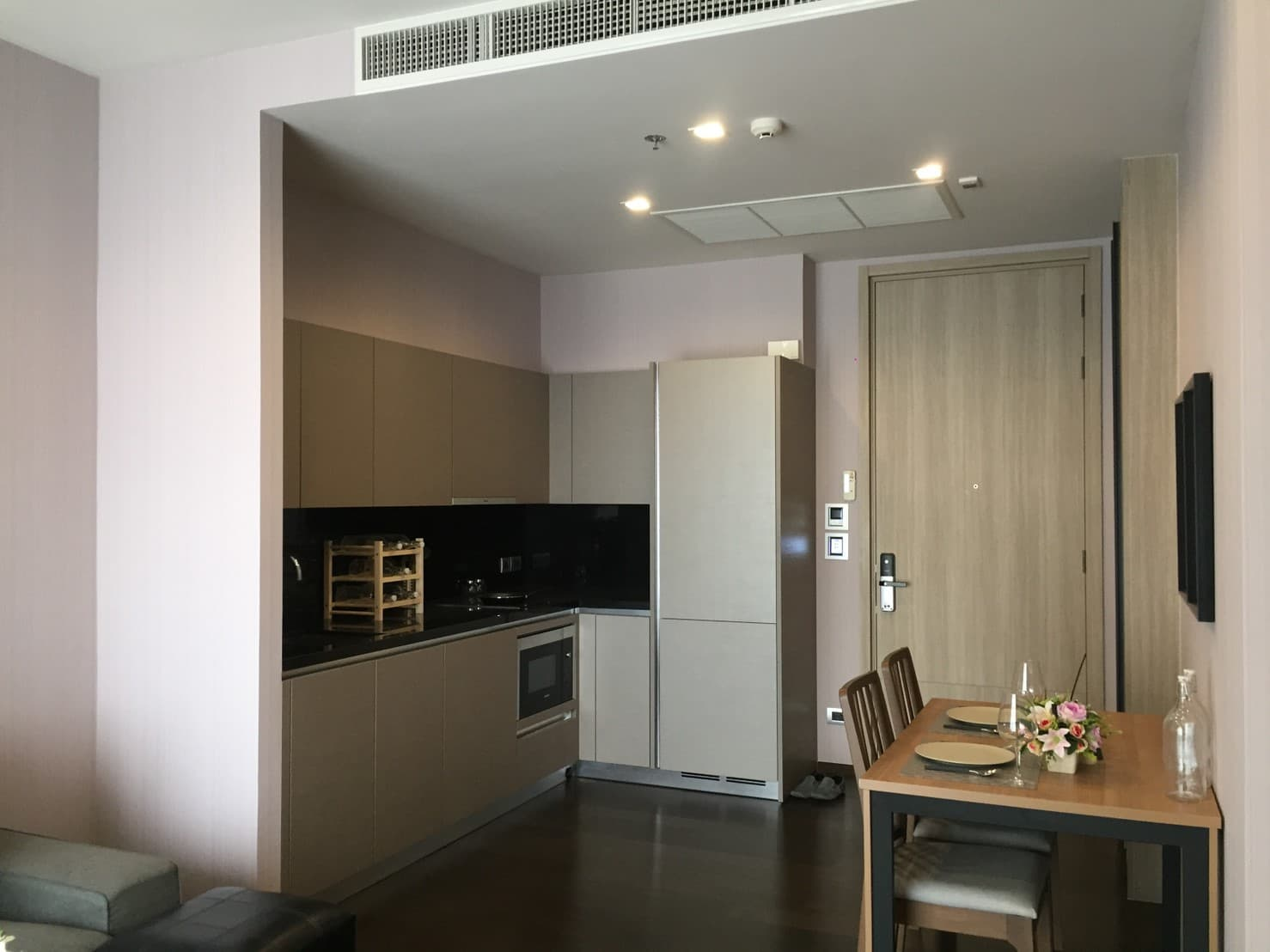 ให้เช่า THE XXXIX SUKHUMVIT 39 1 ห้องนอน 1ห้องน้ำ ขนาด 50 ตรม. ใกล้ BTS สถานีพร้อมพงษ์