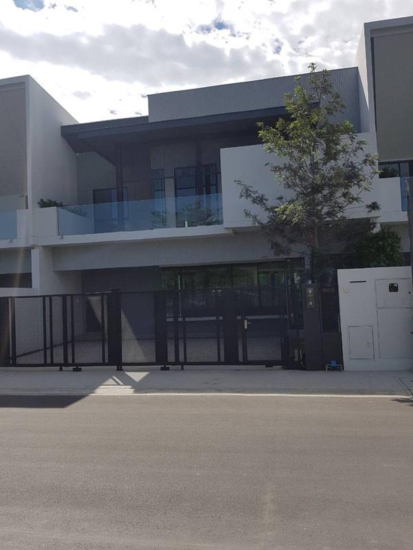 ขายด่วน ทาวน์โฮม Town Home Style Modren โครงการเกรดA+ Brand ใหม่ (Vive) Land and House ทำเลทอง