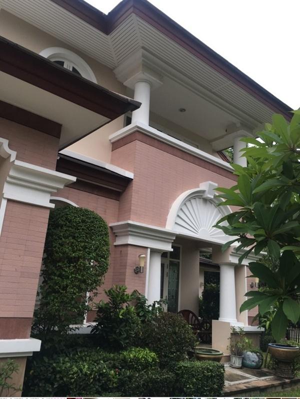 ขายบ้านนันทวัน ทำเลทอง เฉลิมพระเกียรติ 62 ตกแต่งเฟอร์ครบ พร้อมสวนสวย 128 ตร.ว. 2 ชั้น