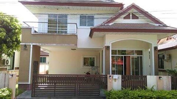 ขายบ้าน ขนาด 52 ตารางวา 4 ห้องนอน 3ห้องน้ำ 1ห้องรับแขก 1ห้องครัว  ประตูไฟฟ้า มีพื้นที่รอบบ้าน