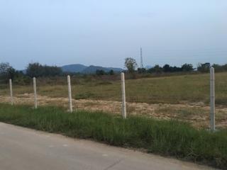 ขายที่ดิน 6 ไร่เศษ อยู่ติดกับสำนักงานตรวจคนเข้าเมืองหัวหิน ประจวบคีรีขันธ์