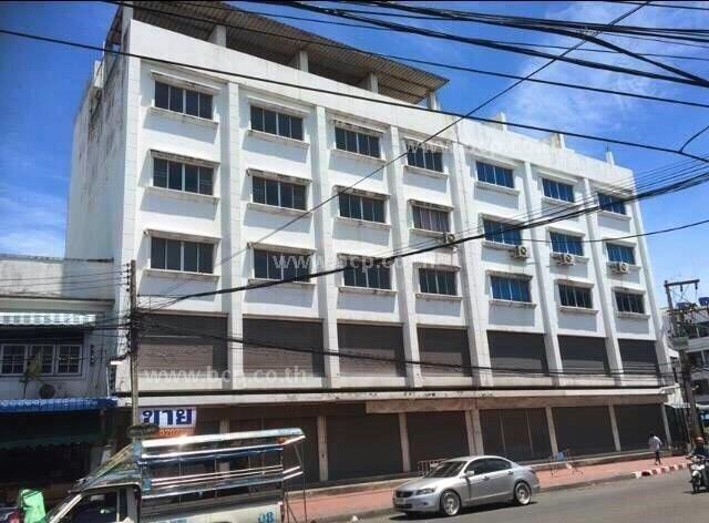 ขายอาคารพาณิชย์กลางตลาดใหม่ ชลบุรี  7 คูหา 5 ชั้น  มีลิฟต์ให้ 2 ตัว ด่วน! ราคาพิเศษ!!!