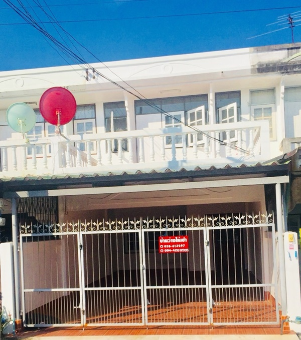 บ้านทาวน์เฮ้าส์ให้เช่า กลางเมืองระยองใกล้กับสถานที่ราชการ, โรงเรียน, โรงพยาบาล ตลาด และ โลตัสระยอง