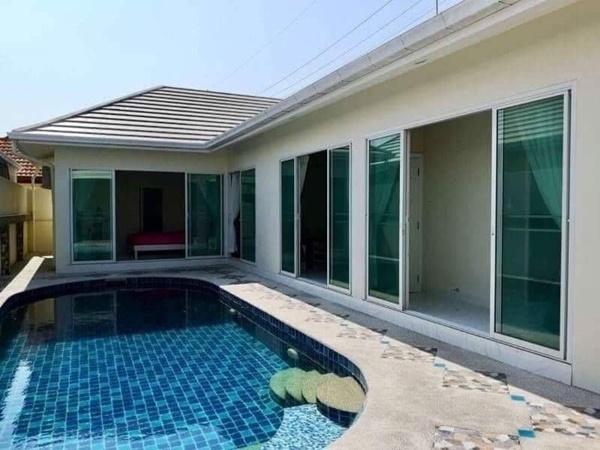 ขายบ้านเดี่ยวพร้อมสระว่ายน้ำส่วนตัวที่พัทยา 3 ห้องนอน 3 ห้องน้ำ เฟอร์นิเจอร์จัดเต็มภาพ บ้านใหม่พร้อมขาย
