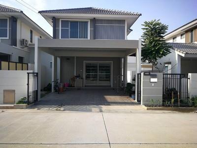 ขายบ้านแฝดสไตล์บ้านเดี่ยว2ชั้น หมู่บ้านแกรนด์วัลเล่ ถ.เลี่ยงเมืองหนองมนชลบุรีใกล้ม.บูรพาบ้านใหม่มาก