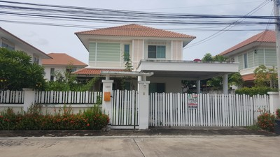 ขายบ้านเดี่ยว 2 ชั้น ใกล้โรงพยาบาลเอกชน2 อ.เมือง ชลบุรี หมู่บ้านสายลมชมวิว  70 ตรว. สภาพดีสวยน่าอยู่