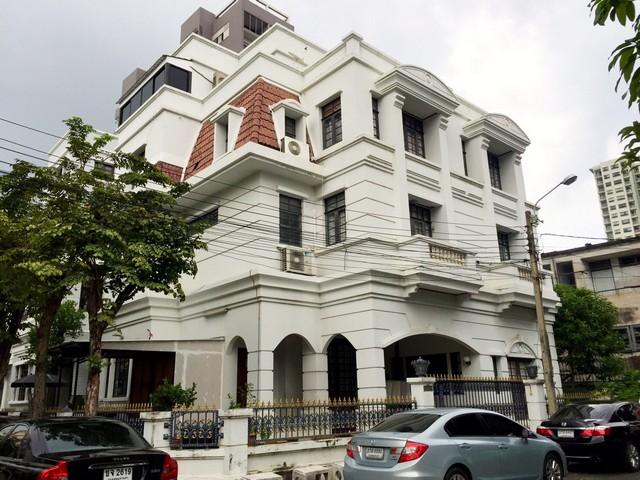ขายบ้านแฝด 4 ชั้น หมู่บ้าน ธาริณี ปิ่นเกล้า บรมราชชนนี 19 ใกล้เซ็นทรัลปิ่นเกล้า