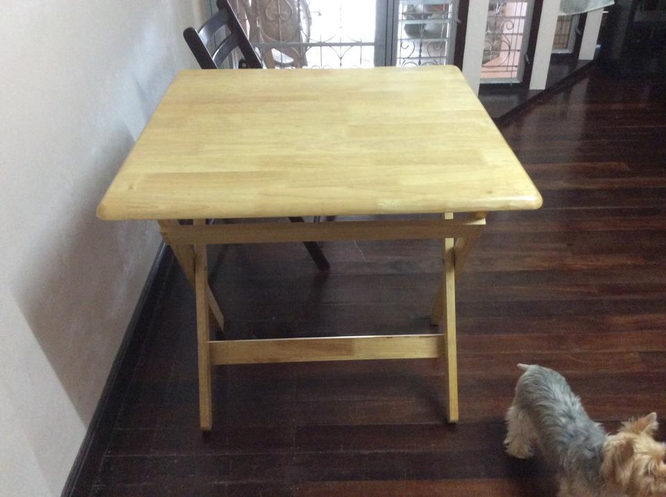 Used ขายโต๊ะไม้ยางพารา พร้อมเก้าอี้ไม้ยางพารา ผ่านการใช้งานแล้ว