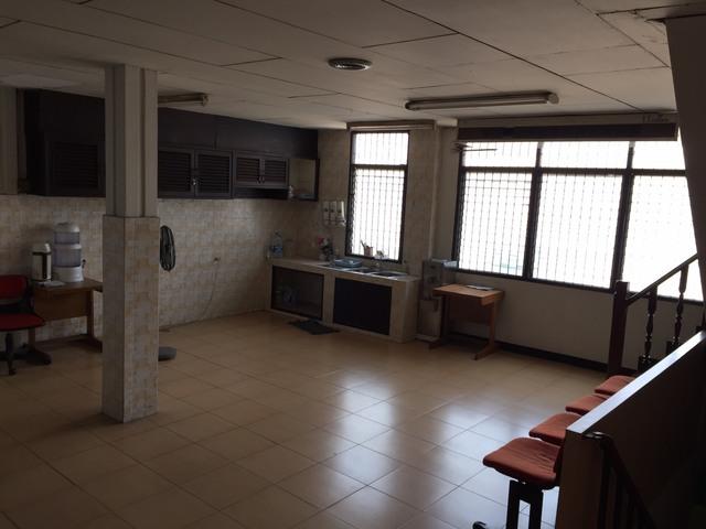 BS307ให้เช่าตึกแถว 3 คูหาสี่ชั้น ติดริมถนนราชวิถี ใกล้BTS อนุสาวรีย์ เหมาะทำโชว์รูม คลินิก