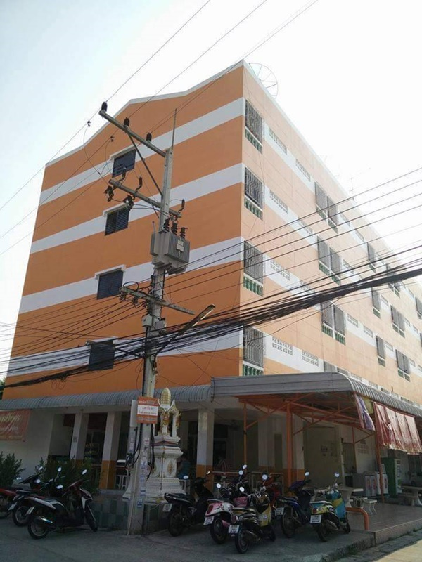 ขายหอพัก 82 ห้อง เช่าเต็มทุกห้อง หอพักลักกี้ 1 ตั้งอยู่ มหาชัย ซอย 1 ใกล้ถนนสุรนารายณ์ 100 เมตร