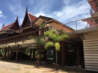ขายบ้านทรงไทยพร้อมที่ดิน 1 ไร่ 67 ตารางวา ติดทะเลบางเสร่ ชลบุรี