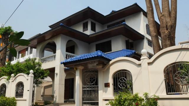 ขายบ้านเดี่ยวลาดพร้าว 87 บ้าน 3 ชั้น สวยแต่งพร้อมอยู่ เข้าออกเลียบด่วนรามอินทรา