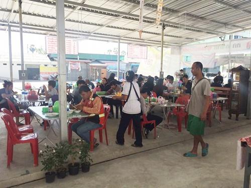 ให้เช่าร้านค้าขายอาหาร อาหารตามสั่ง ก๋วยเตี๋ยว ส้มตำ ทำเลทอง ของพ่อค้าแม่ค้าสำหรับการค้าขาย