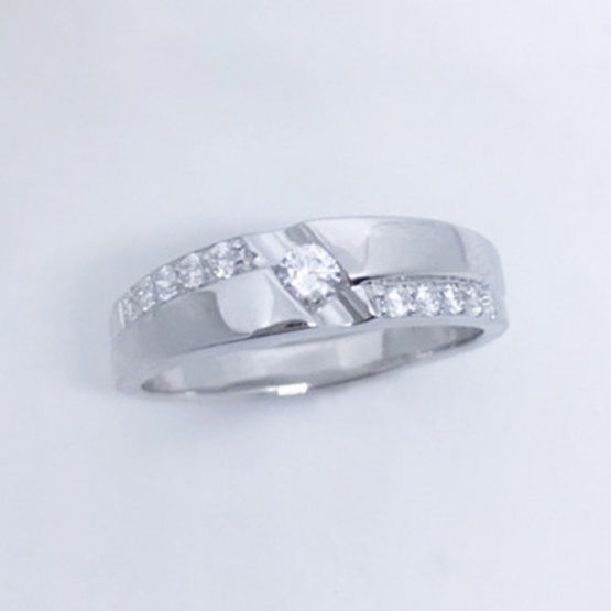 Winnie Jewelry แหวนซิมเปิลไดมอนด์