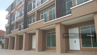 ขายอาคารพาณิชย์ 28 ตร.ว.4 ชั้น พื้นที่ใช้สอย 286 ตร.ม 2 ห้องนอน 5 ห้องน้ำ