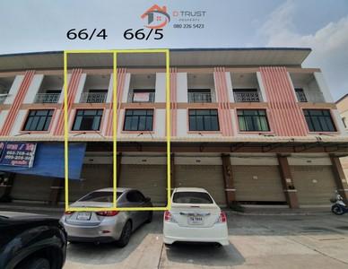 ขาย อาคารพาณิชย์ 3 ชั้น 2 คูหา พานทอง ชลบุรี  อมตะนคร ใกล้นิคมอุสาหกรรมอมตะนคร ติดถนนใหญ่