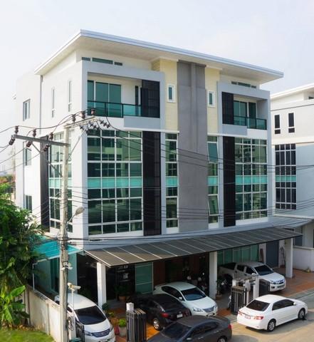 Home office ย่านรามอินทรา-เลียบทางด่วน  ตึก 2 ห้อง 4 ชั้น ติดถนนนวลจันทร์ ใกล้รถไฟฟ้ากำลังสร้าง